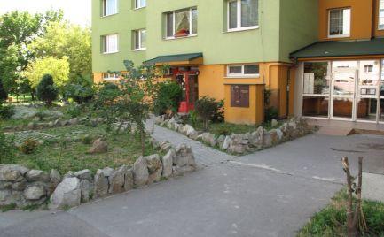 PRENÁJOM 2 izb. byt - samostatné NEPRIECHODNÉ izby a kuchyňa, Osuského ul., EXPIS REAL