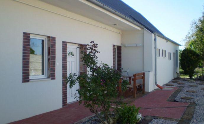 Na predaj  rodinný dom po komplet rekonštrukcii v obci Váhovce. Treba vidieť !!!!!