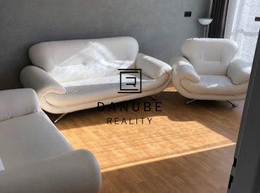 Prenájom 3-izbový čiastočne zariadený byt v Senci v blízkosti Slnečných jazier.
