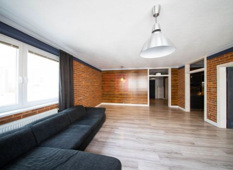 Na predaj priestranný 2 izbový byt 80 m2 s parkingom v novostavbe na Dlhých dieloch