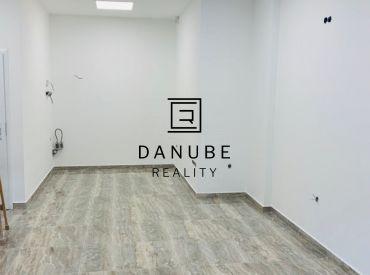 Prenájom nebytový, administratívny/obchodný priestor na Tomášikovej ulici, Bratislava /KOLOSEO/.