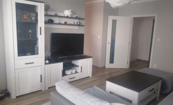 Na predaj 2 izb byt v novostavbe kompletne zariadený na Liptovskej ul. v Trenčíne.