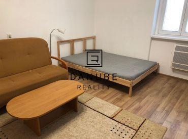 Prenájom 1-izbový byt na Koceľovej ulici, Bratislava-Ružinov.