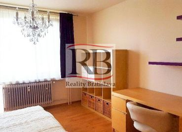 Útulný 2-izbový byt s 2 zasklenými loggiami na ul. Martinčekova v Ružinove