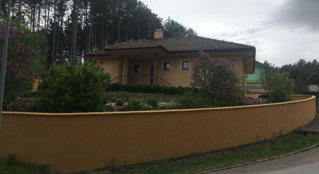 Na predaj priestranný 4 - izbový bungalov v Žiline