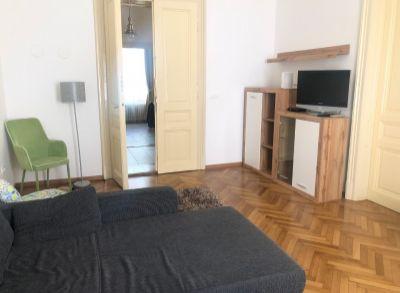 ART Real Estate ponúka na prenájom štýlový 3-izbový byt na Leškovej_Bratislava – Staré Mesto