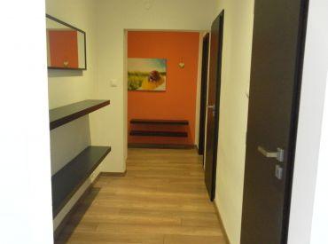 Exkluzívne - Predaj 2,5 - izbového bytu, Vážska ulica,Piešťany