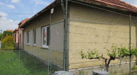 Predáme 5 iz. rodinný dom v Tekovských Nemciach