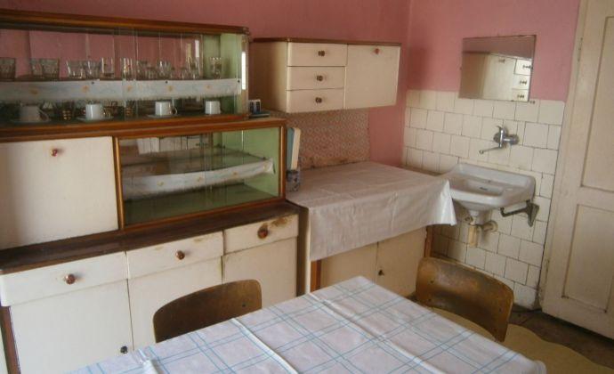 REZERVOVANÉ! Na predaj rodinný dom v obci Dubník.