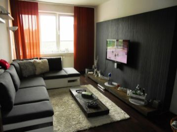 3-i byt, 63 m2 , TEHLA,uzavretý DVOR,