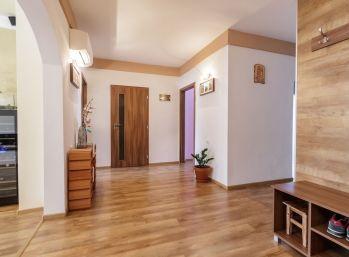 Predaj veľkometrážneho tehlového 3 izb.bytu s loggiou, veľkou pivnicou, parkovaním vo dvore, Šamorín