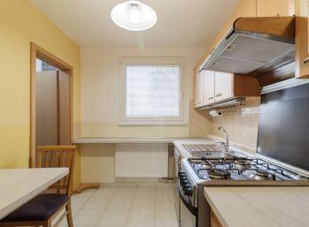 Predaj 4 izb. bytu po čiastočnej rekonštrukcii, OV, 82m2, Dunajská ulica