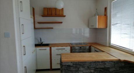 REZERVOVANÉ-Luxusný 1 izbový byt v Košútoch 1 aj so zariadením