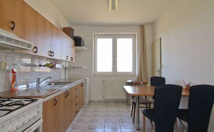 Ponúkame do prenájmu 3-izbový byt v Malackách – Vinohrádok, na ulici Cesta mládeže.