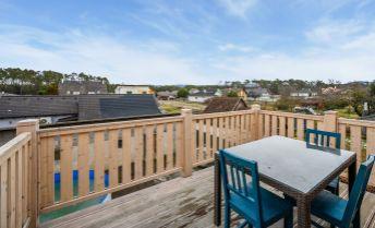 Ponúkame na predaj zrekonštruovaný dvojpodlažný rodinný dom v obci Lozorno