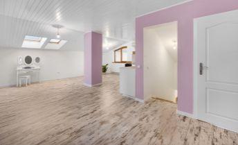Ponúkame na predaj 4 izbový byt v rodinnom dome , obec Lozorno
