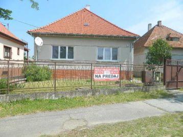 Predáme 3,5-izb. rodinný dom s garážou v Šintave