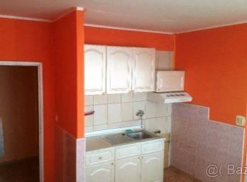 1-i byt 38 m2 , čiastočná rekonštrukcia , špajza spoločný BALKÓN - TOP LOKALITA