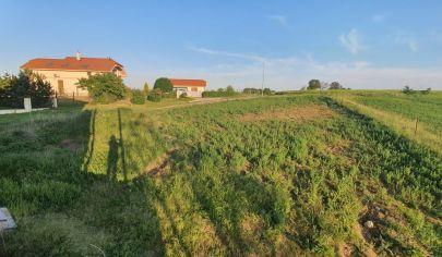 Hľadám súrne pre konkrétneho klienta rodinný dom alebo pozemok v Suchej nad Parnou + okolie