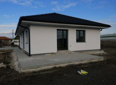Moderné 4-izbové rodinné bungalovy s rôznymi dispozíciami pozemkov-na kľúč!