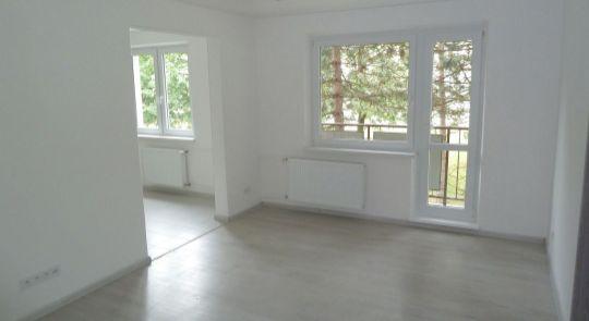 Na predaj 3 izbový byt v Lučenci s balkónom
