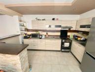 Na predaj 3.-izb. rodinný dom po rozsiahlej rekonštrukcii, slnečný pozemok 1275 m2, Trnava časť Modranka