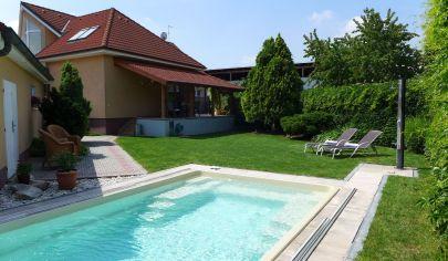 Na predaj NADŠTANDARD rodinný dom s bazénom v Senci v blízkosti Slnečných jazier