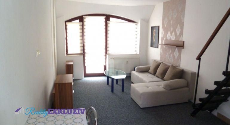 2 izbový byt na predaj, Lučenec, centrum s balkónom