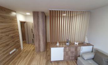 Klimatizovaný luxusný 1 izbový byt - komplet zariadený