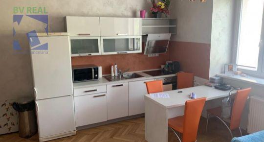 na predaj 2 izbový byt 56 m2 Banská Bystrica Centrum 40002