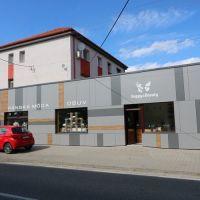 Obchodné, Sládkovičovo, 15 m², Kompletná rekonštrukcia