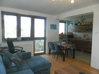 Predáme pekný 3-izbový byt s garážou v Pate