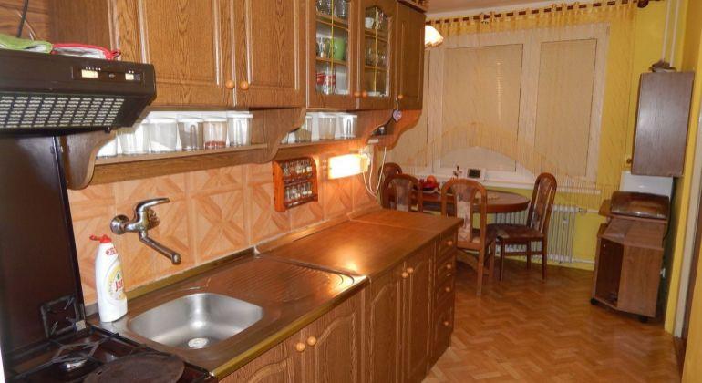 Na prenájom  2- izbový byt, 65 m2, Handlová, ul.Morovnianska