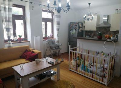 Ponúkame na predaj 3 izbový byt blízko centra v Trenčianksych Tepliciach.