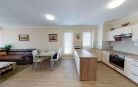 Ponúkame Vám na prenájom 3 izbový byt a garážové státie  Trenčín, ul. I.Olbrachta