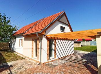 Aktuálne na predaj - Rodinný dom Váhovce