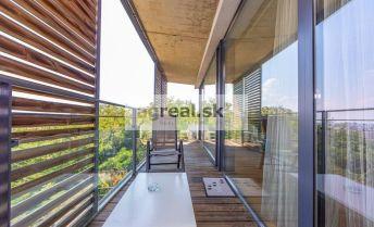 3-izbový zariadený byt na Zlatej Nohe, klimatizácia, bazén, sauna, 1 x parking