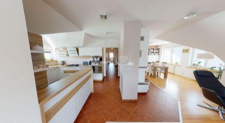 Luxusný  3 izbový byt - MALÁ PRAHA