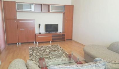 Výborná lokalita!!! 2 -izbový byt na Námestí Hraničiarov