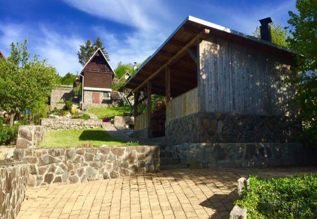 REZERVOVANÉ: Záhradná chatka s altánkom v záhradkárskej oblasti Pod Bukovinkou blízko obce Valaská