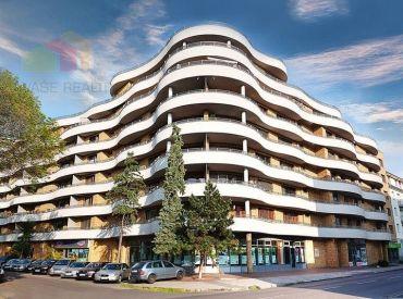 Na prenájom krásny 4-izbový byt s bazénom, 177 m², v bytovom domu GAUDI na Bazovej ulici, voľný od 1.9.2020