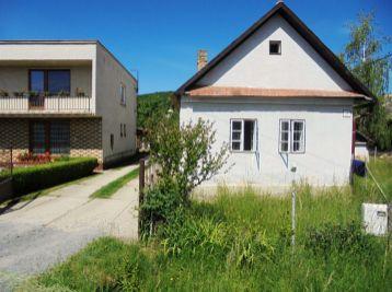 TOČNICA- Dom 85 m 2 na POZEMKU 2396  m2  vhodný aj na chalupu