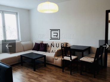 Prenájom 2,5 izbový byt v Bratislave-Ružinove na Solivarskej ulici.