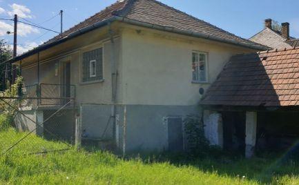 GEMINIBROKER Vám ponúka rodinný dom pod lesom v malebnej obci Telkibánya