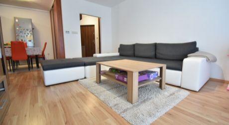 3 - izbový priestranný byt 68m2, parkovacie miesto -  Rajka