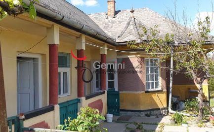 GEMINIBROKER Vám ponúka na predaj gazdovský rodinný dom v obci Nyíri (Maďarsko)