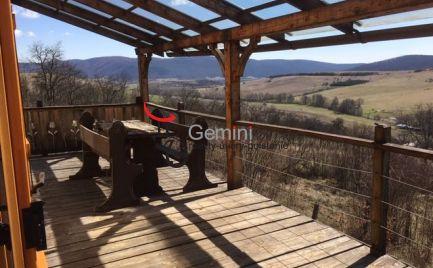 GEMINIBROKER Vám ponúka na predaj chatu nádhernom prostredí v obci Szogliget