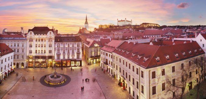 Obchodný objekt-Predaj-Bratislava - mestská časť Staré Mesto-1.00 €