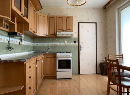 4 izbový byt Topoľčany  s dvomi balkónmi