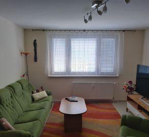 StarBrokers- PREDAJ: Slnečný 3-izb. byt, kompl. rekonštrukcia, zač. Petržalky – Haanova ul.